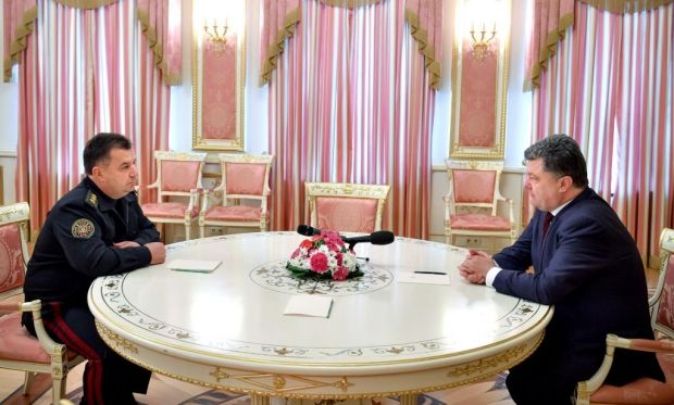 Порошенко предлагает Полторака на должность министра обороны