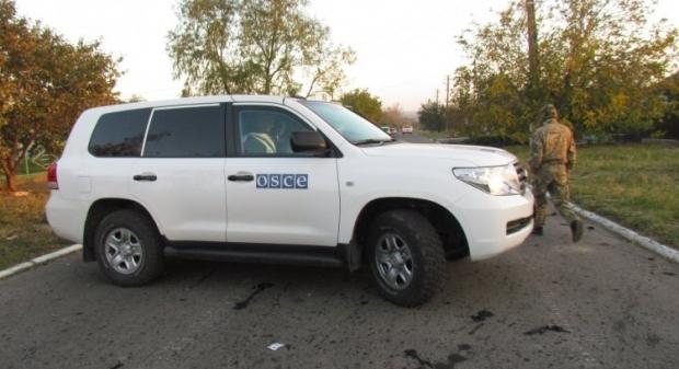 Члени місії ОБСЄ розповіли про обстріл Сартани / фото УНИАН