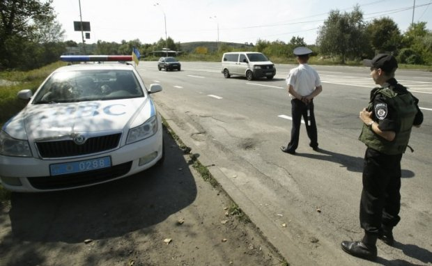 New checkpoints are being set up at the entrances to the Ukrainian capital / Photo by UNIAN