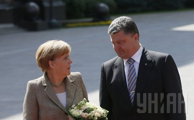Merkel and Poroshenko discussed the Donbas conflict and gas dispute with Russia by phone / Photo by UNIAN