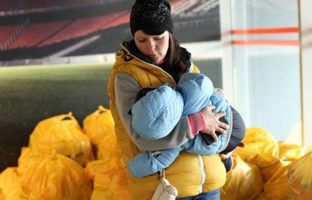 Продуктовые наборы от Штаба могут получить только переселенцы / Фото: Пресс-служба Гуманитарного штаба Рината Ахметова
