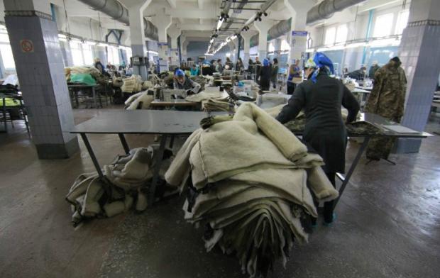 В отдельных местах несвободы администрация запугивает заключенных, эксплуатирует, как дешевую рабочую силу/ фото УНИАН