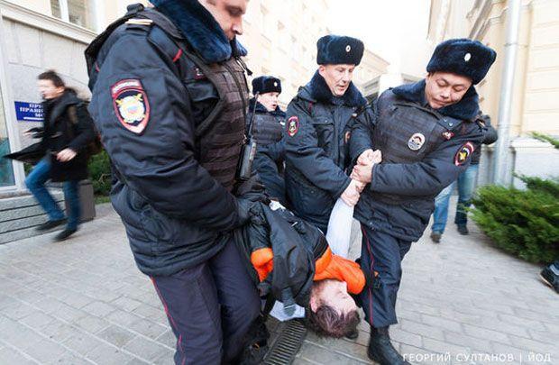 Поліція відпустила затриманих