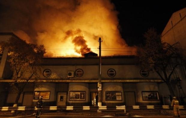 Двух подозреваемых в поджоге обвиняют в хулиганстве / Фото УНИАН