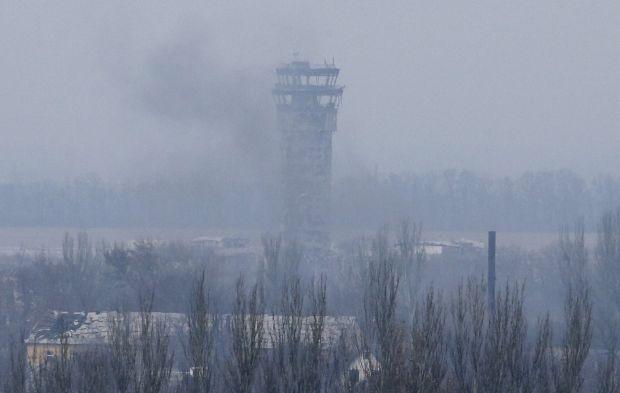 Диспетчерская вышка в разрушенном Донецком аэропорту / REUTERS