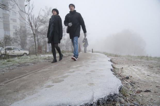 В городе ищут экологическую альтернативу для борьбы с гололедом \ Фото: УНИАН