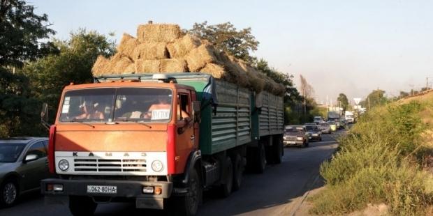 Около 80% ущерба дорогам наносят грузовики весом от 12 до 40 тонн / Фото УНИАН