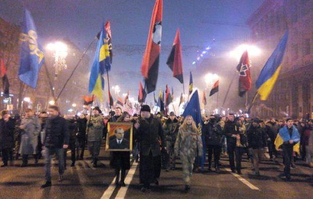 В факельном шествии приняли участие более 2500 человек \ @vo_svoboda