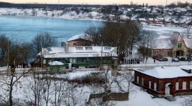 Автомобільний пункт пропуску Нарва-Івангород на естонсько-російському кордоні