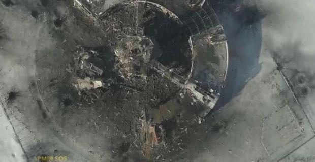 ВСУ очищают от боевиков аэропорт