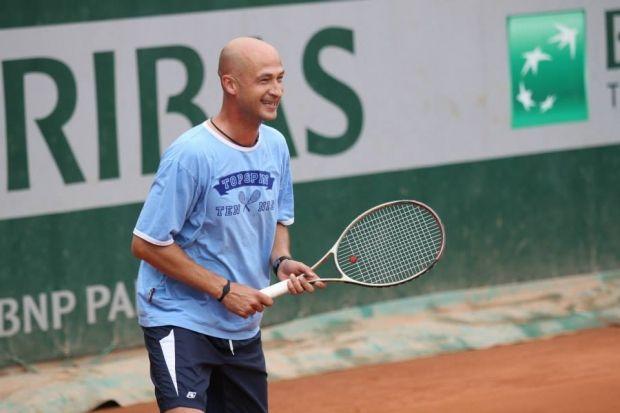 sapronov-tennis.org