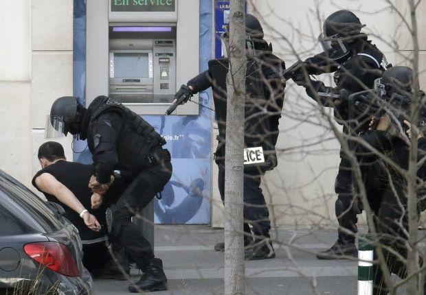 Париж затримання підозрюваного 16 01 15 / Reuters