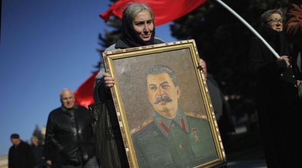 В России фактически возродили культ Сталина / иллюстрация REUTERS