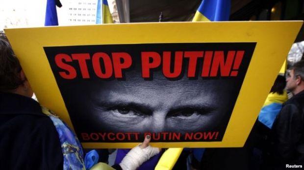 Акція протесту проти агресії Росії в Україні / REUTERS
