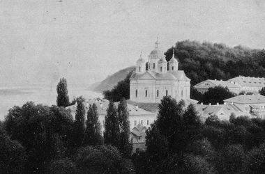 Спасо-Преображенский монастырь считался вторым после Киево-Печерской лавры