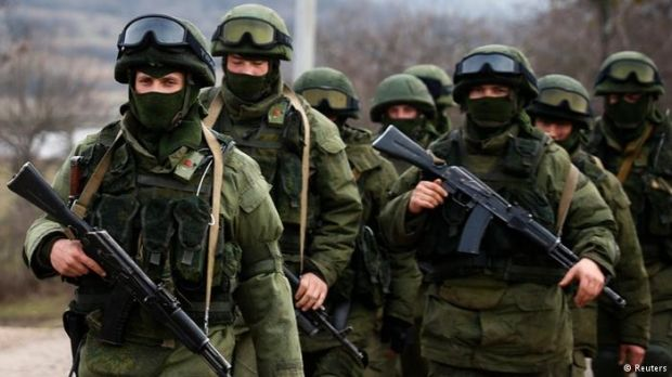 Російські військові в Криму / фото REUTERS