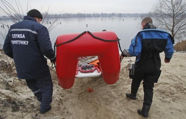рыбак рыбалка лед спасатели / Фото УНИАН