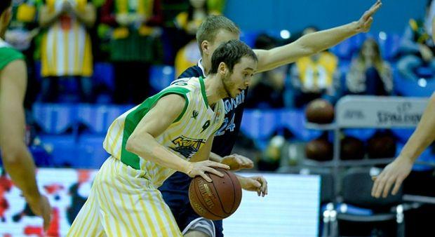 До возвращения в Украину Отверченко играл в испанском клубе