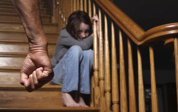 Каждый пятый ребенок в Украине страдает от сексуального насилия / фото net-nasiliy.ru