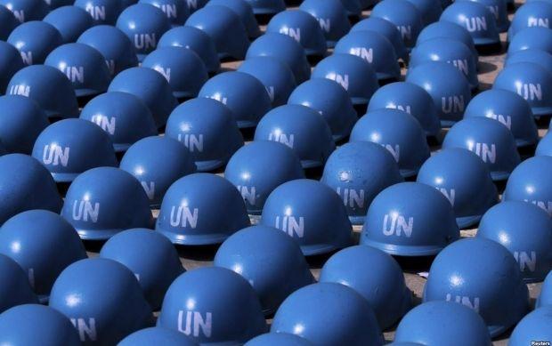 Голубые каски миротворцев ООН, иллюстрация / REUTERS