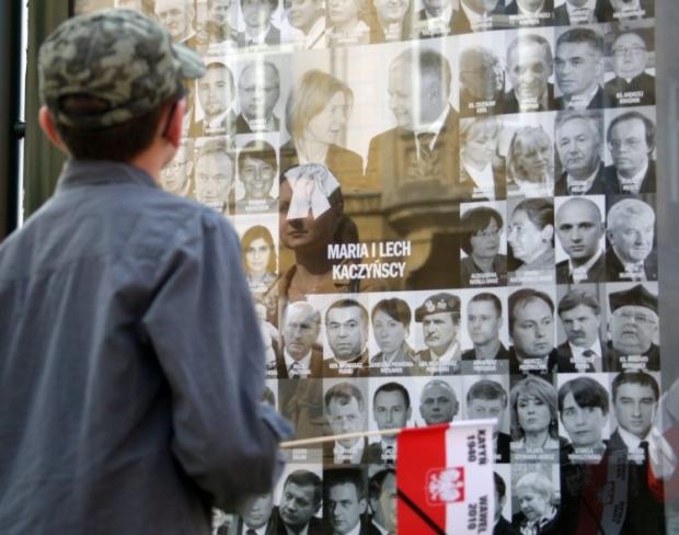 10 квітня 2010 року під Смоленськом розбився літак , наякому летів президент Польщі Лех Качинський \ фото УНІАН