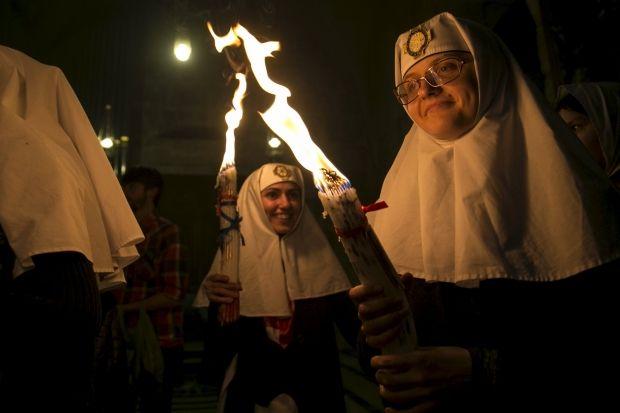 Чудо схода благодатного огня в Иерусалиме описывалось еще в IV веке / REUTERS