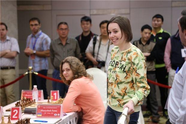 Сестры Музычук явлются лидерами сборной Украины на ЧМ / chengdu2015.fide.com