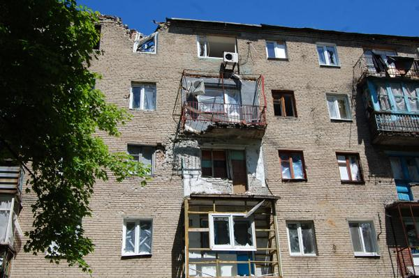 Разбитые снарядами дома в Дебальцево / twitter.com/Debaltsevo_UA