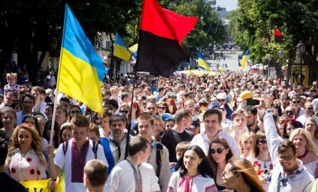 Однією з найяскравіших традицій Дня вишиванки стали святкові паради / фото УНІАН