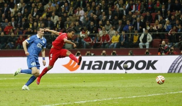Carlos Bacca's double in an exciting final / Photo from REUTERS