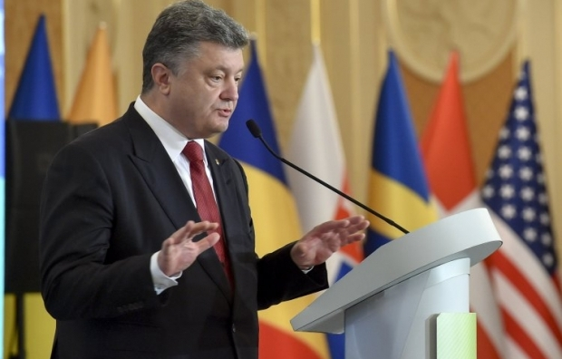 Poroshenko says he trusts Ukrainians as they cannot be deceived by the Kremlin's propaganda / Photo from UNIAN