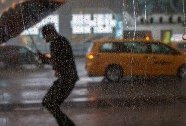 В Китаї від сильних злив постраждали понад 28 тисяч людей