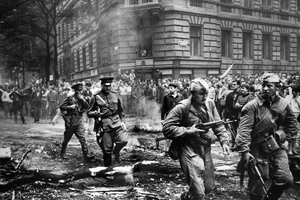 "Результат пошуку зображень за запитом ""Вторгнення військ Варшавського договору до Чехословаччини"""