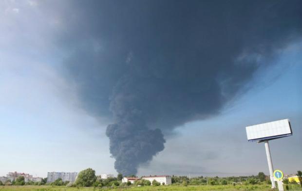 Иллюстративная фотография: пожар на нефтебазе под Киевом / Фото УНИАН