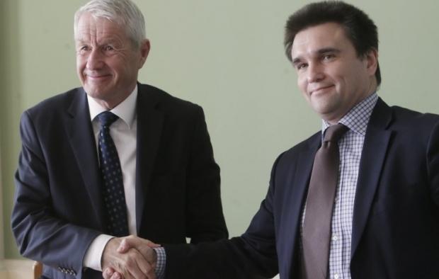 Ягланд (слева) подтвердил, что в Украине применяются стандарты СЕ / Фото УНИАН