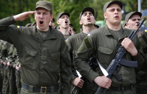 В сообщениях людей просили прибыть вближайшуювоинскуючасть/ Фото УНИАН