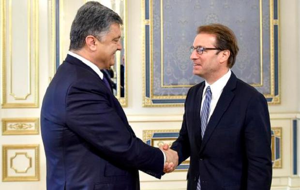 Порошенко и Роскам / @poroshenko