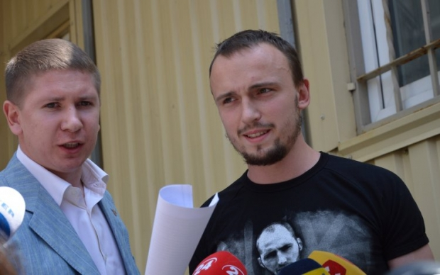 Адвокаты Полищука (справа) якобы нашли свидетелей по делу об убийстве Бузины / Фото УНИАН