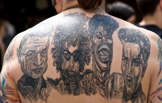 У Росії пацієнт побив лікаря за те, що той спитав його про татуювання