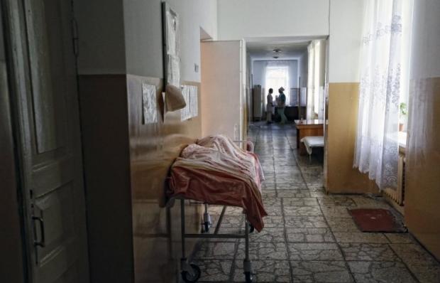 В больнице скончалась пенсионерка, которая упала с балкона в Ивано-Франковске / фото УНИАН
