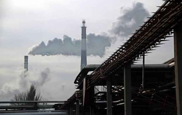 Кременчугский нефтеперерабатывающий завод при максимальной загрузкеможет на 100% обеспечить внутренний рынок бензином и на 50% - дизельным топливом, отметил эксперт / Фото УНИАН