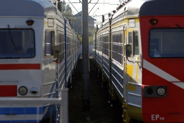 У Житомирі на залізничному вокзалі хлопець отримав удар електричним струмом / фото УНІАН