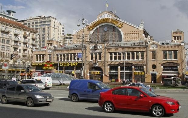 В сентябре прошлого года возле Бессарабского рынка в центре Киева произошел взрыв легкового автомобиля / фото УНИАН