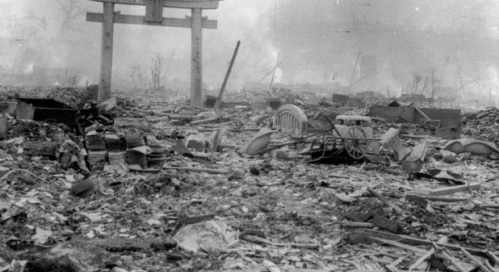 the atomic bomb dropped in hiroshima and nagasaki during the world war ii The atomic bombing of hiroshima on august 6, 1945, has been the subject of numerous books and articles since that time, many by scientists and others who participated in the development of the world's first atomic bombs.
