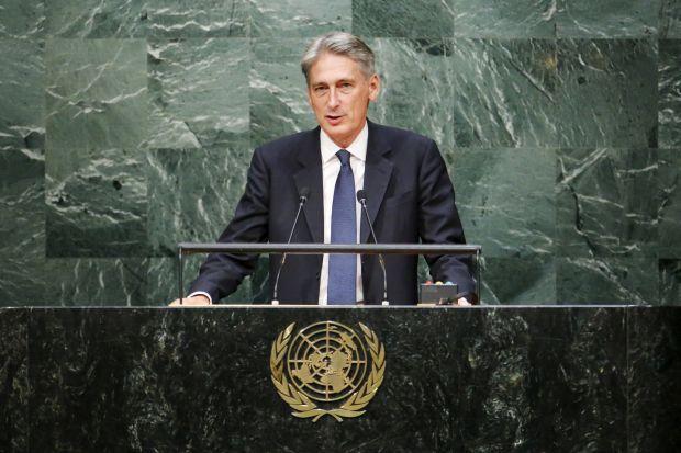 Британия призывает Россию доказать, что целью ее воздушных ударов в Сирии были исламисты