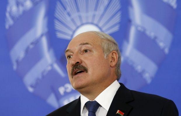 Лукашенко приглашает Зеленского в Беларусь / REUTERS