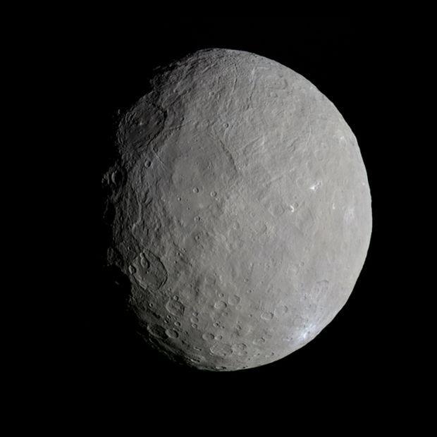 NASA / JPL-Caltech / UCLA / MPS / DLR / IDA / Daniel Macháček