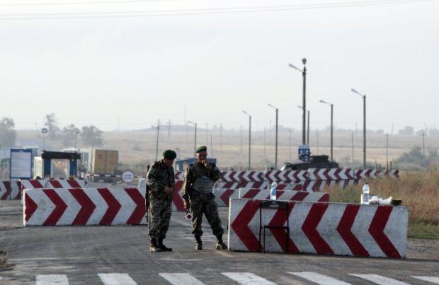 На админгранице с Крымом построят два автомобильных КПП / фото УНИАН