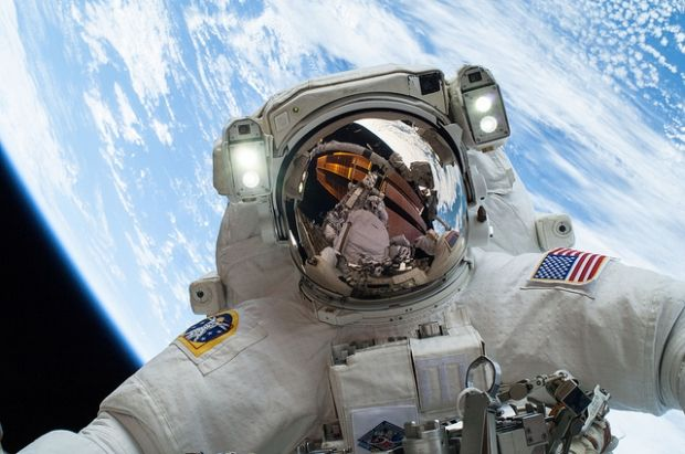 Об отправке астронавтовна луну заявил сегодня вице-президент США Майк Пенс / flickr.com/nasa2explore
