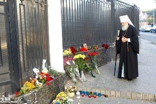 Митрополит Агафангел и жители Одессы почтили память жертв авиакатастрофы